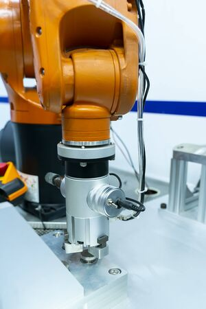 robotic hand machine tool at industrial manufacture factory,Smart factory industry 4.0 concept. Stockfoto