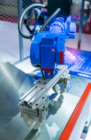 automatic machine tool roboti arm in industrial manufacture factory, Smart factory industry 4.0 concept. Archivio Fotografico