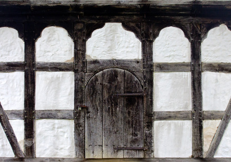 A old door of the farmhouse Standard-Bild