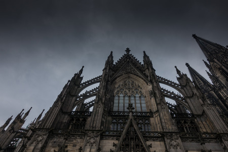 dom: Cologne Cathedral against the sky in Germany Banque d'images