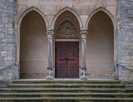 The old door of Marienburg Castle, Germany . Stockfoto