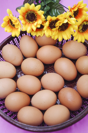 chafing dish: A basket of eggs Stock Photo