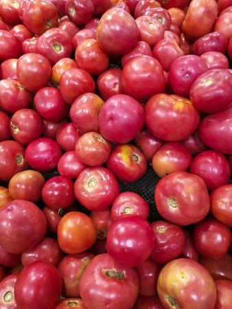 chafing dish: Bulk of tomato
