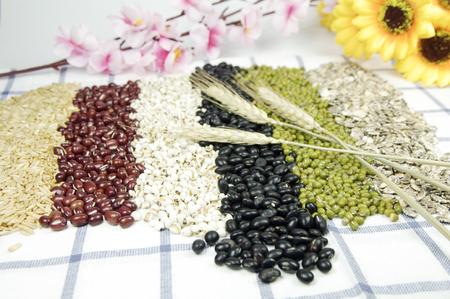 粗い穀物の組み合わせ 写真素材