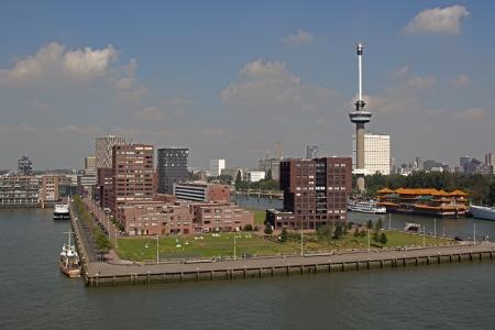 euromast: Rotterdam skyline