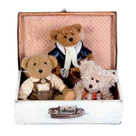 teddy bears: Antiguo juguete osos de peluche en caja de madera
