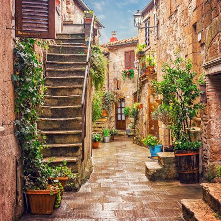 Steegje in de oude binnenstad van Pitigliano Toscane Stockfoto