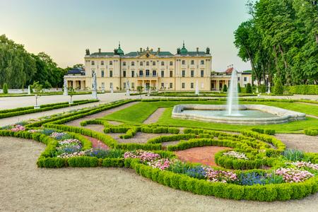 Branicki 宮殿ビャウィストク ポーランドの庭