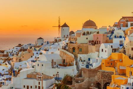 イア、サントリーニ島、ギリシャの美しい夕日