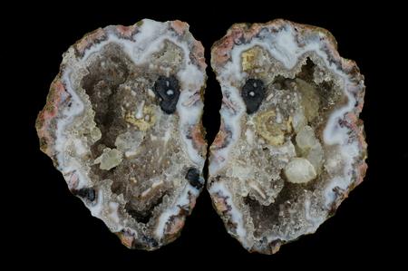 Quartz geode with calcite crystals in agate. Origin: Asni, Atlas Mountains, Morocco.