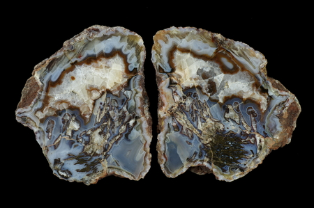 Moss agate with quartz-calcite geode. Multicolored silica bands colored with metal oxides are visible. Origin: Asni, Atlas Mountains, Morocco.