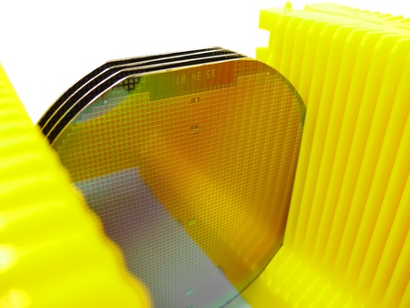 componentes: Oblea de silicona en un transportista amarillo