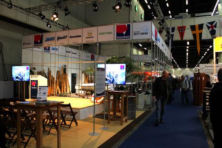 oct 31: HAMBURGO, Alemania - 31 de octubre: Hanseboot Expo el 31 de octubre de 2014 a Hanseboot - el show internacional de barcos, Hamburgo, Alemania.