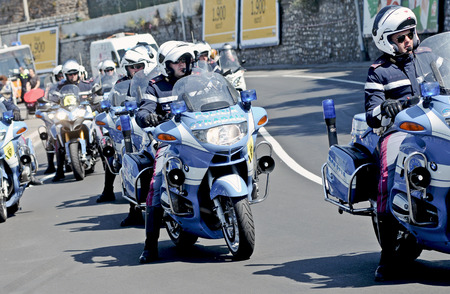 displacement: Traffic police of the Italian state