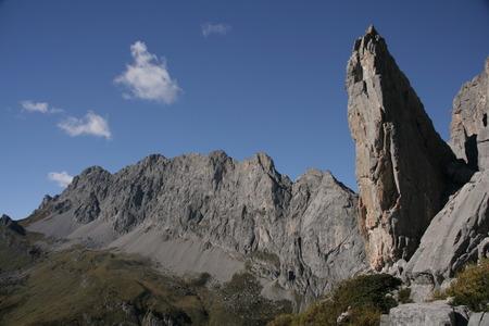 pinnacle: Mountains