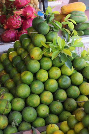stapled: oranges - stapled as a pyramid Stock Photo