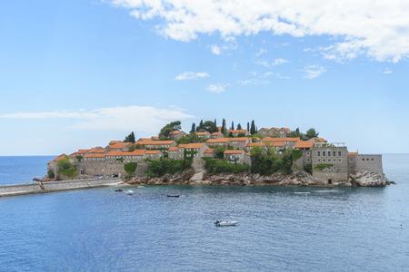 sveti: Island Sveti Stefan in Budvanska Riviera, Montenegro