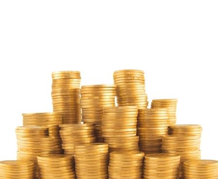Oekraïense gouden munten in de kolom op een witte achtergrond