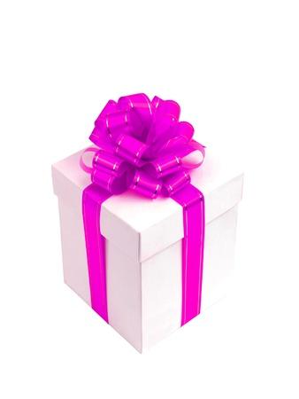 lazo rosa: Caja de regalo blanco con lazo Rosa aislada sobre fondo blanco
