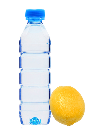 Plastik: Blue bottle with water and fresh yellow lemon isolated on white background