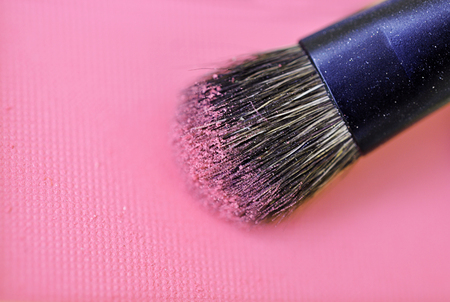 crushed: Make-up brush pink crushed blush