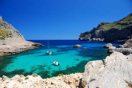 bellissima spiaggia sull'isola mallorca