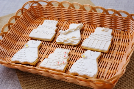 Wedding cakes in white icing in a basket Stock Photo - 16229431