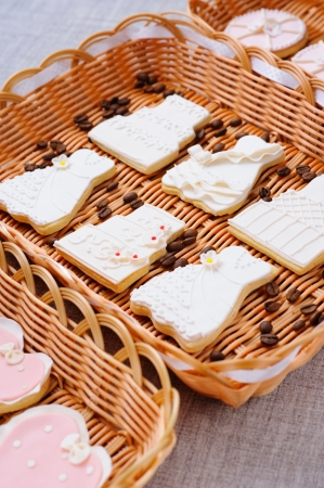 Wedding cakes in white icing in a basket Stock Photo - 16229417