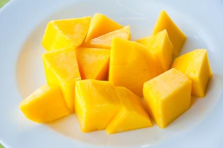 les plus: Mango sur le plat blanc: le plus populaire et d�licieux fruits tha�landais