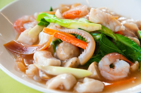 stir fry: Seefood and Noodles in a Creamy Sauce : Guaitiao Rad Na : delicious tradition thailand food