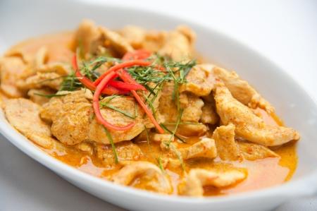 frutas secas: Rojo seco de cerdo al curry de coco Panaeng Delicious y famosa comida de Tailandia