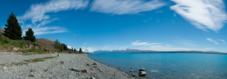 Beautiful panorama view of lake and mountain in blue sky, South Island, New Zealand Stock Photo - 17307230