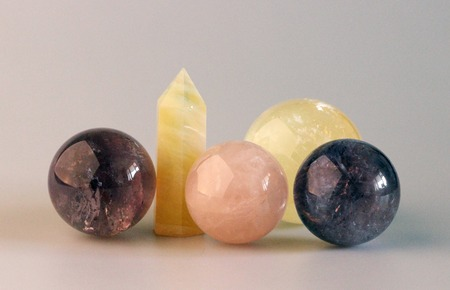 citrine: the composition of the semi-precious stones: citrine, amethyst, kyanite, pink quartz, quartz