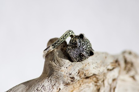 onyx: Black spinel diamond silver ring in the form of a cats head