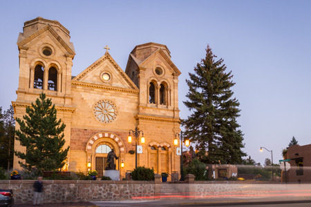 twilight view of the Basilica of St francis in Santa Fe, New Mexico Stok Fotoğraf - 33831328