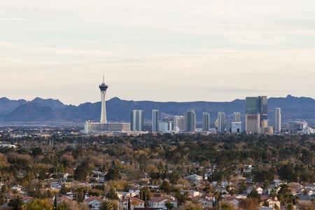 estratosfera: Las Vegas Nevada - 14 de dezembro: Vista a�rea do lado norte Las Vegas famosa com o Stratosphere no quadro, 14 de dezembro de 2014, em Las Vegas, Nevada