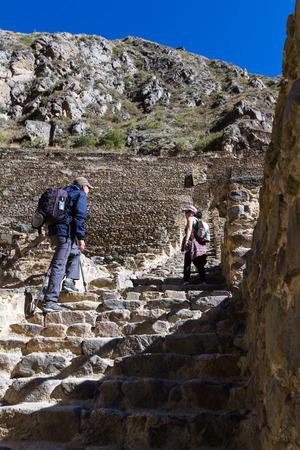 Ollantaytambo, Peru - May 16 : Tourists exploring this magnificent and steep ruins of Ollantaytambo. May 16 2016, Ollantaytambo Peru. 에디토리얼
