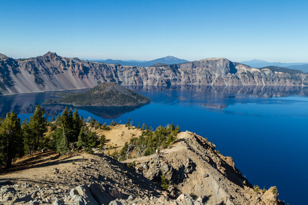 Beautiful day at Crater Lake National Park with clear skies and very little wind with meant awesome reflections that day 版權商用圖片