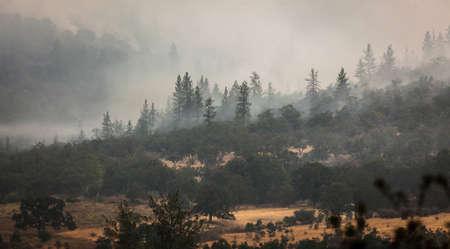 Wild fires near highway 62 in Eagle Point Oregon, September 9 2020 Stok Fotoğraf - 154941644
