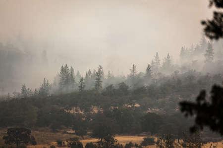 Wild fires near highway 62 in Eagle Point Oregon, September 9 2020 Stok Fotoğraf - 154942453