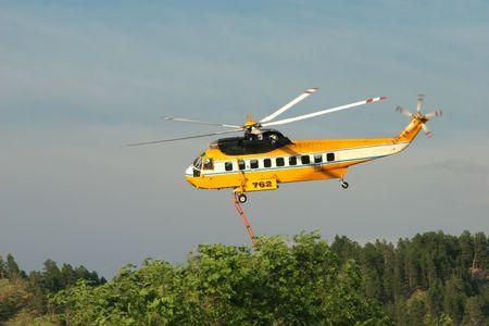 retardant: Antincendio elicottero che decollano