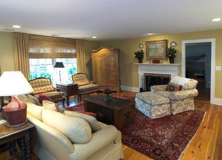 furnished: cozy furnished livingroom