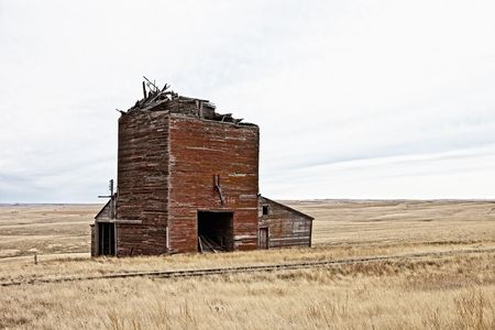 ruined railroad depot in the american west Stock Photo - 6035630
