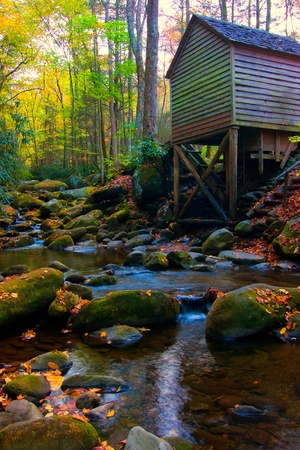 great smoky mountains: mill and autumn colors in tennessee