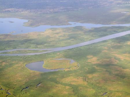 white nile: vista a�rea de los humedales y blanco r�o Nilo, en el sur de Sud�n Editorial