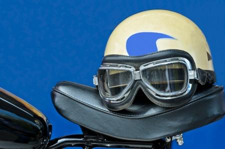 Viejo Estilo De Nosotros Ejército Casco Moto Con Gafas Fotos