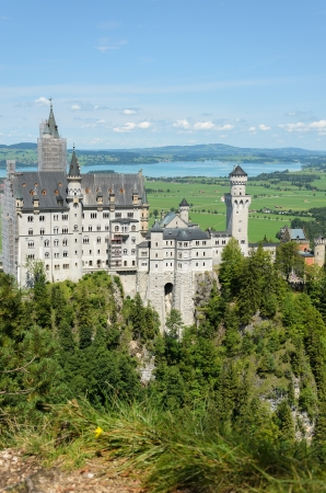 Fantastic Neuschwanstein, the present treasure of the Alpes
