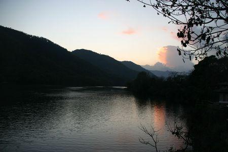 pokhara: Pokhara lake