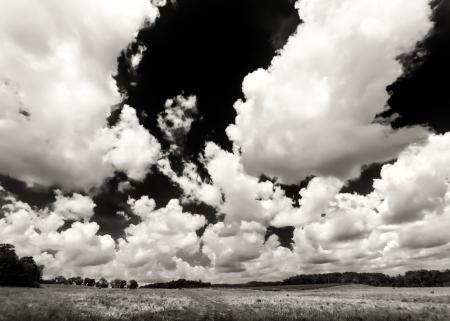 ウィスコンシンの田舎を明らかにする巨大な積雲の雲