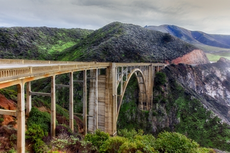 sur: Famous Bixby Bridge in Big Sur, California.